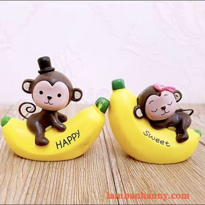 Khỉ ôm chuối trang trí bánh 6