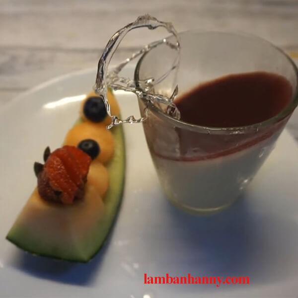 Bật mí 2 cách làm Panna cotta việt quất vô cùng thơm ngon và đơn giản 8