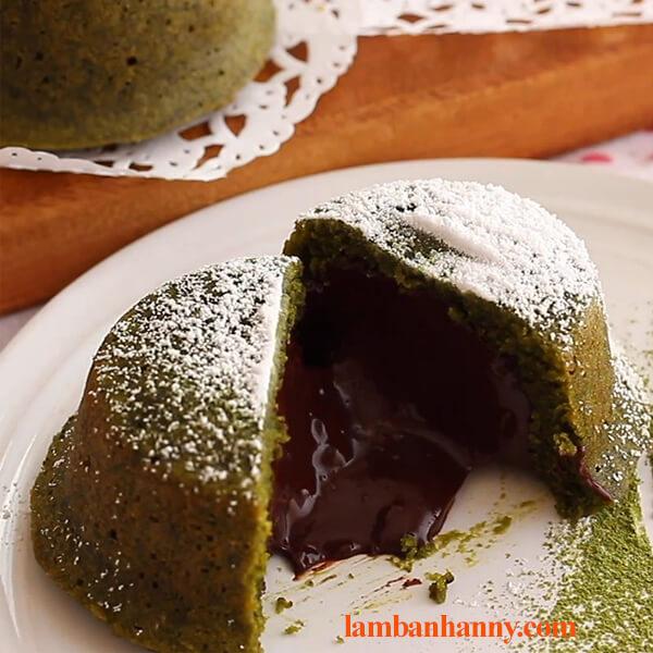 Bật mí 2 cách làm bánh lava matcha tan chảy thơm ngon hấp dẫn 6