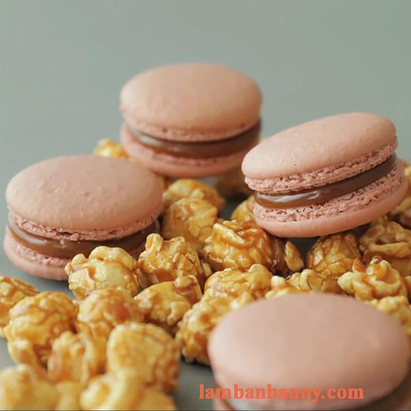 Bật mí cách làm bánh Macaron Caramel thơm ngon hấp dẫn 4