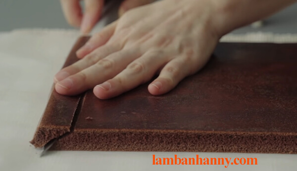Cách làm bánh bông lan cuộn socola thơm ngon đơn giản tại nhà 8