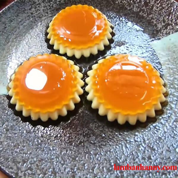 Cách làm rau câu flan phô mai cheese nhiều lớp thơm ngon đơn giản 4