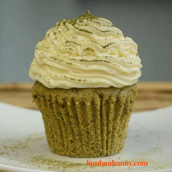 Hướng dẫn cách làm bánh cupcake trà xanh vô cùng đơn giản thơm ngon 4