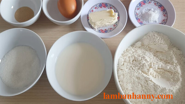 Bật mí cách làm bánh mì bơ sữa thơm ngon mềm mịn cho buổi sáng dinh dưỡng 2