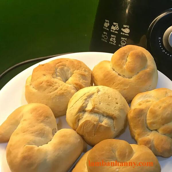 Bật mí cách làm bánh mì bơ sữa thơm ngon mềm mịn cho buổi sáng dinh dưỡng 6