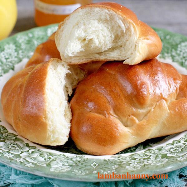 Bật mí cách làm bánh mì bơ sữa thơm ngon mềm mịn cho buổi sáng dinh dưỡng 7