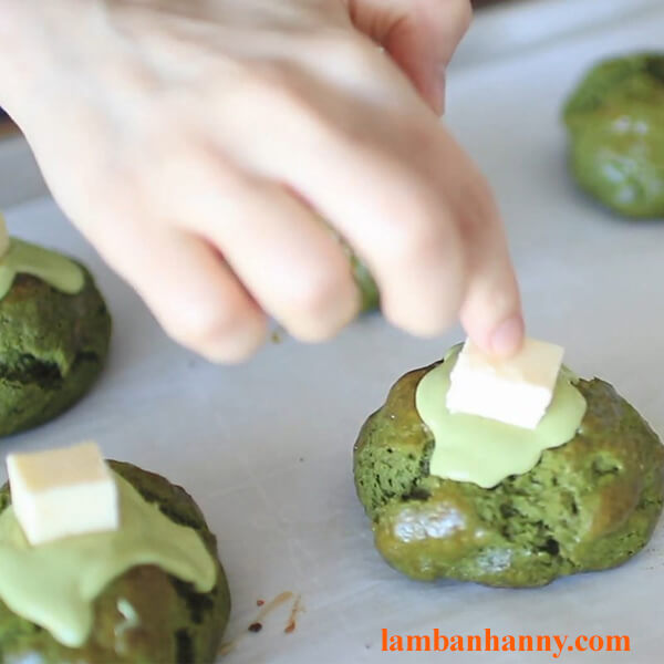 Hướng dẫn 2 cách làm bánh scone vị socola và vị matcha thơm ngon đơn giản 3